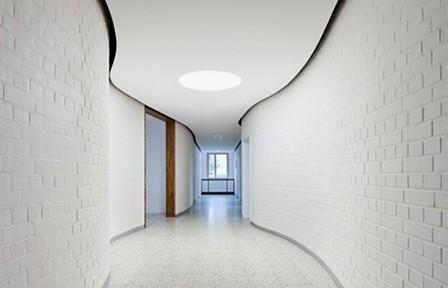 Reichel Architekten BDA, Umbau und energetische Sanierung eines ehemaligen Kasernengebäudes, Kassel 2010-2011; Foto: Constantin Meyer