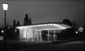 Karl Hugo Schmölz, Tankstelle Ecke Oskar-Jäger-Straße, Köln-Ehrenfeld, 1952