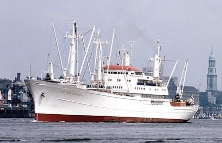 Frachtmotorschiff Cap San Lorenzo bei der Ausfahrt aus dem Hamburger Hafen, Foto: Hamburg Süd