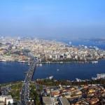 Istanbul, Architekturreiseführer, DOM publishers, Luftbildaufnahme mit Goldenem Horn und Atatürkbrücke, Foto:  Erdin Hasdemir