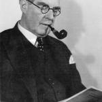 Peter Behrens Ende der 1920er,  Foto: Archiv Prof. Dr.Ing.Till Behrens, Frankfurt/Main (gescant aus: Buderath: Umbautes Licht, 1990, S.190)
