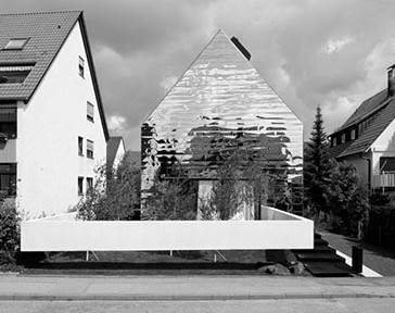 Umbau eines Dreifamilienhauses aus den 50-iger Jahren in Ludwigsburg. Architektur: Bernd Zimmermann Architekten BDA, Ludwigsburg 2013.