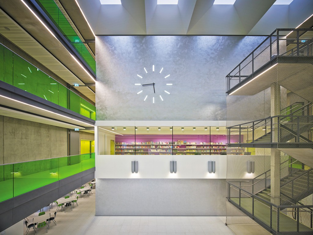 Raum und Bau Architekten BDA, Sachsenring-Oberschule, Hohenstein-Ernstthal, Foto: Lothar Sprenger/  hiepler, brunier,