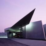 Zaha Hadid Architects (mit Günter Pfeifer), Feuerwehrhaus für das Vitra-Werk in Weil am Rhein 1993, Foto: Christian Richters