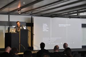 Prof. Jörg Gleiter eröffnet die Konferenz, Foto: