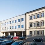 """Schlicht Lamprecht Architekten, Fassadensanierung  Bereich """"Schublade"""", Celtis Gymnasium, Schweinfurt 2014–2015, Foto: Stefan Meyer"""