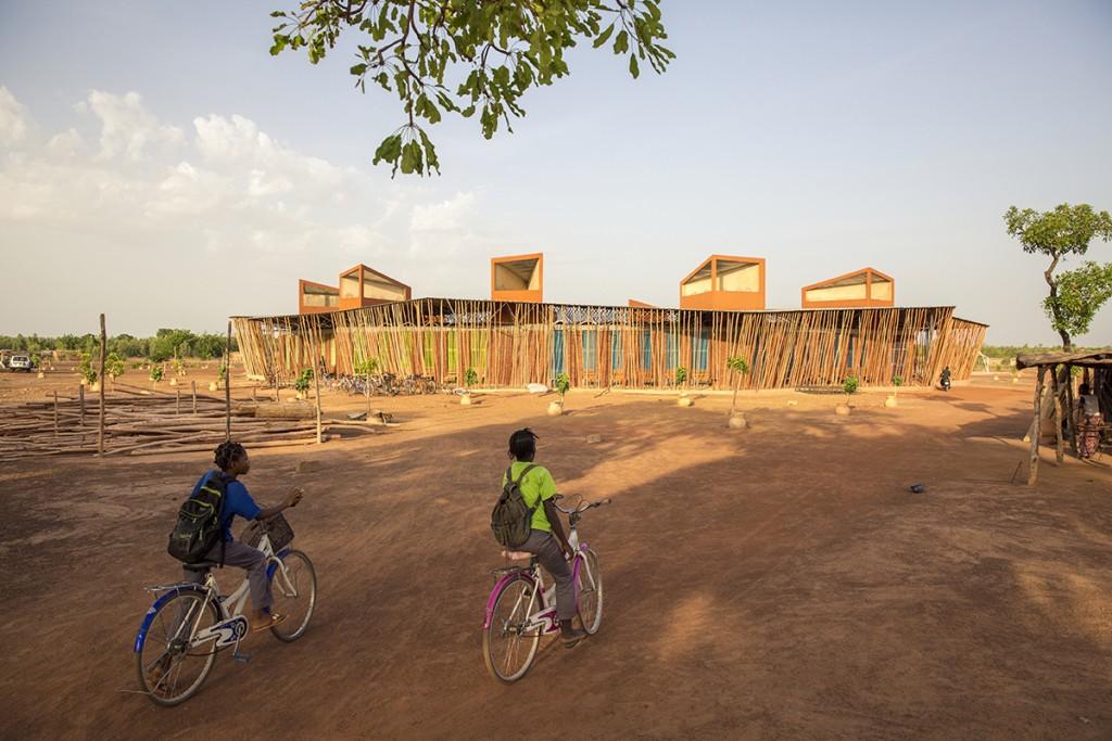 Francis Kéré, »Lycée Schorge« in Koudougou, Burkina Faso, 2016 Foto: Daniel Schwartz/Gran Horizonte Media