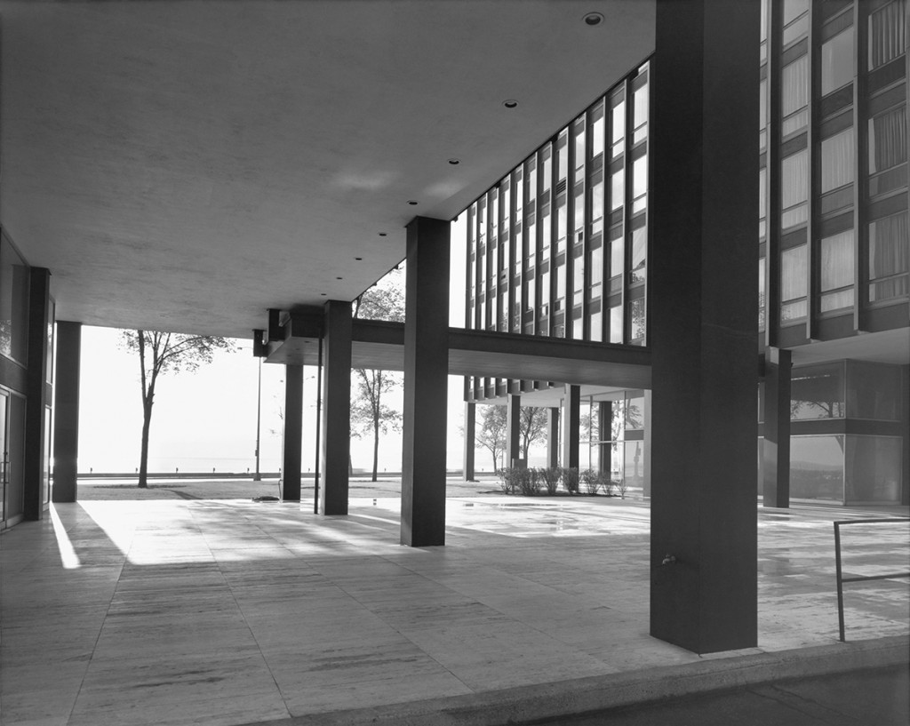 Ludwig Mies van der Rohe, Lake Shore Drive Apartments, Chicago, Illinois 1963, Foto: Julius Shulman