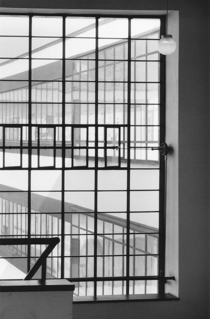 Klaus Kinold: Walter Gropius, Bauhausgebäude, Dessau, Deutschland, Foto 1992