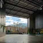 """RCR Arquitectes, Theater im öffentlichen Raum """"La Lira"""", gemeinsam mit Joan Puigcorbé, Ripoll, Girona, Spanien 2003-2011, Foto: Hisao Suzuki"""