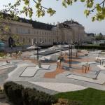 """Skulpturenpark """"MQ Amore"""" am MQ Vorplatz, Foto: Lorenz Seidler"""