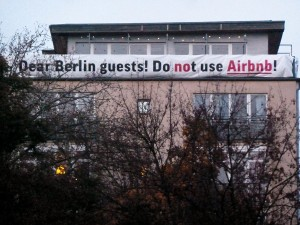 Protest gegen airbnb, Berlin 2014, Foto: Screenpunk (via flickr. com / CC BY 2.0)