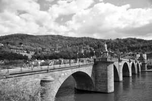 Alte Brücke Heidelberg mit dem Brückheiligen Nepomuk, 2010. Foto: Keith Knapp
