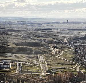 Cañada real galiana | Spanien Die Cañada Real schlängelt sich durch die Peripherie von Madrid, 2016 Foto: © Johann-Christian Hannemann, CC BY-SA 4.0