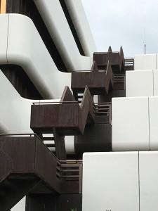 Welches Gebäude suchen wir, wo steht es, und wer hat es wann entworfen?