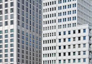 Hilmer&Sattler und Albrecht, Hotel- und Apartementtower (links), und Kollhoff Timmermann Architekten, Delbrück-Hochhaus (rechts), Berlin 2000–2003, Foto: David Kasparek
