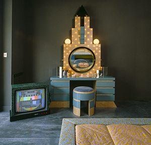 Karl Lagerfelds Monte Carlo Apartment (mit Entwürfen von Memphis), Monaco, ca. 1983, Foto: Jacques Schumacher