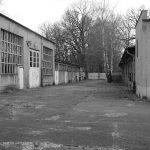 Motorenprüfstandsgebäude und Garagentrakt vor dem Umbau, Foto: TLA