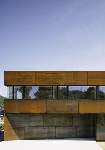 """Sortenrein: msah architektur (Martin Schneider/Annette Hillebrandt), Firmensitz """"Metallwerkstück"""", Bad Laasphe 2010, Foto: Christian Richters"""