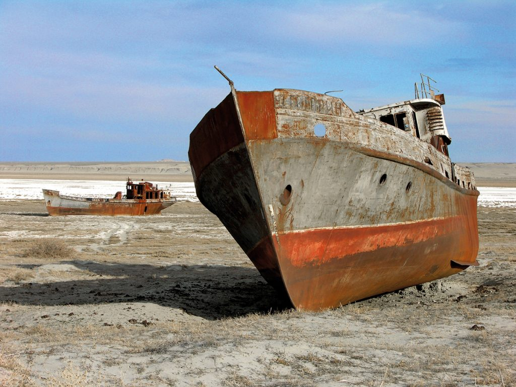 Schiffsfriedhof im austrocknenden Aralsee, Zhalanash-Bucht bei Aralsk, Kasachstan, Foto: Zhanat Kulenov (via UNESCO/CC BY-SA 3.0 IGO)