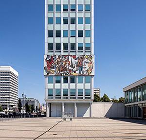 """Walter Womacka, """"Unser Leben"""", 1962–1964, Haus des Lehrers, Berlin, Foto: BBR/Cordia Schlegelmilch"""