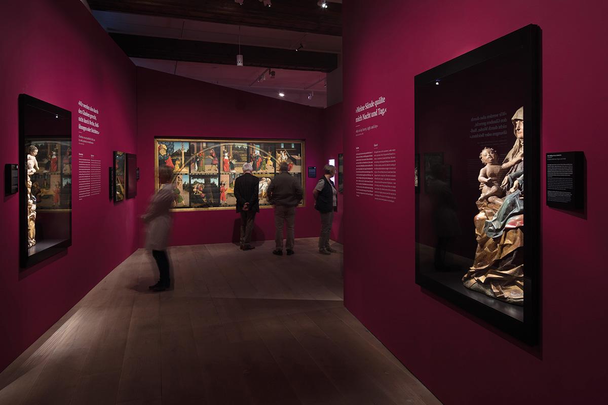 """Studio Neue Museen, """"Luther! 95 Schätze – 95 Menschen"""", Augusteum Wittenberg, 2015, Fotos: Thomas Bruns"""
